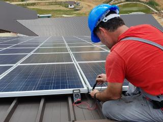 Installation solar panels on roof